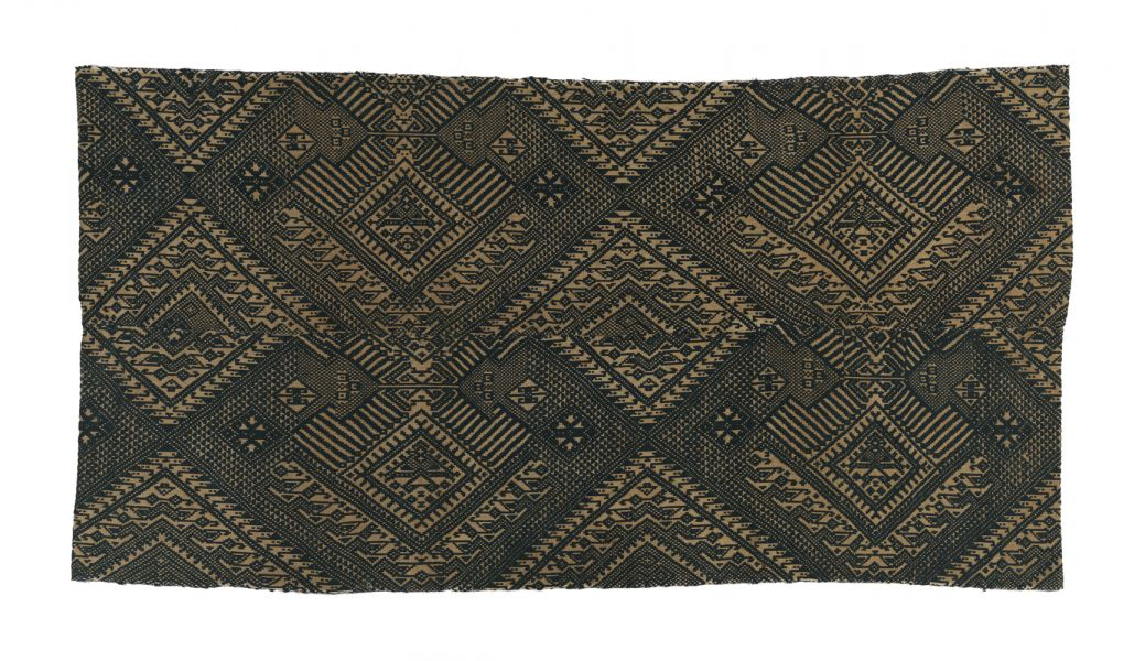 Textile for traveling